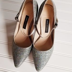 Dana Bachman Size 8M Gorgeous Shinny Silver Shoes